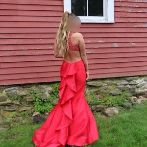 Dresses & Skirts - Gorgeous high quality prom / pageant dress